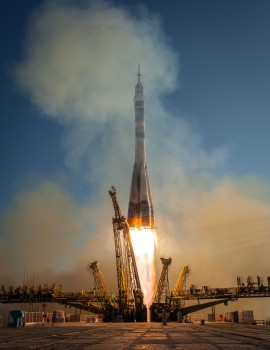 Soyuz TMA-11M launch with Expedition 38 crew and friends. Credit: NASA-B. Ingalls