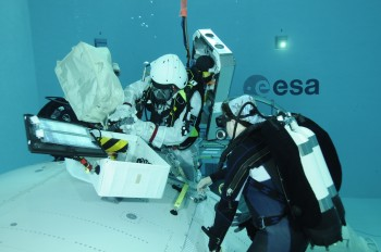 Alexander spacewalk training at EAC in 2010. Credits: ESA