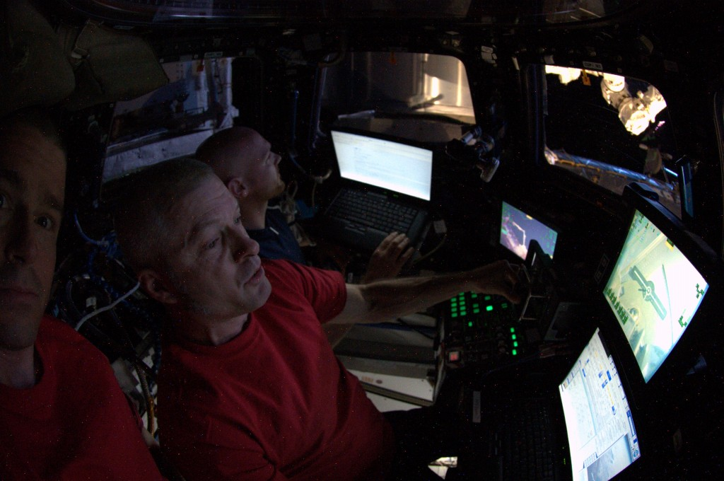 Praticing for Orbital-2 capture. Credits: ESA/NASA