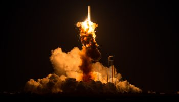 Launch failure. Credits: NASA-Joel Kowsky