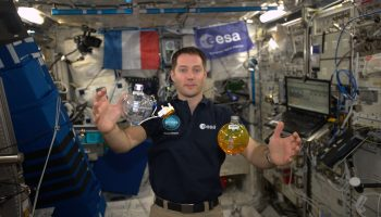 ESA astronaut Thomas Pesquet displaying Fluidics tanks during his 2016 Proxima mission. Credits: ESA/NASA