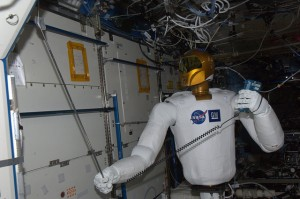 Robonaut measures airflow for the first time on the ISS (credit: NASA/ESA)