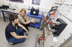 Learning about the Fluid Science Laboratory (FSL) from Laura (Credit: ESA)