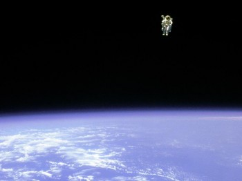Bruce Maccandless untethered spacewalk. Credit: NASA