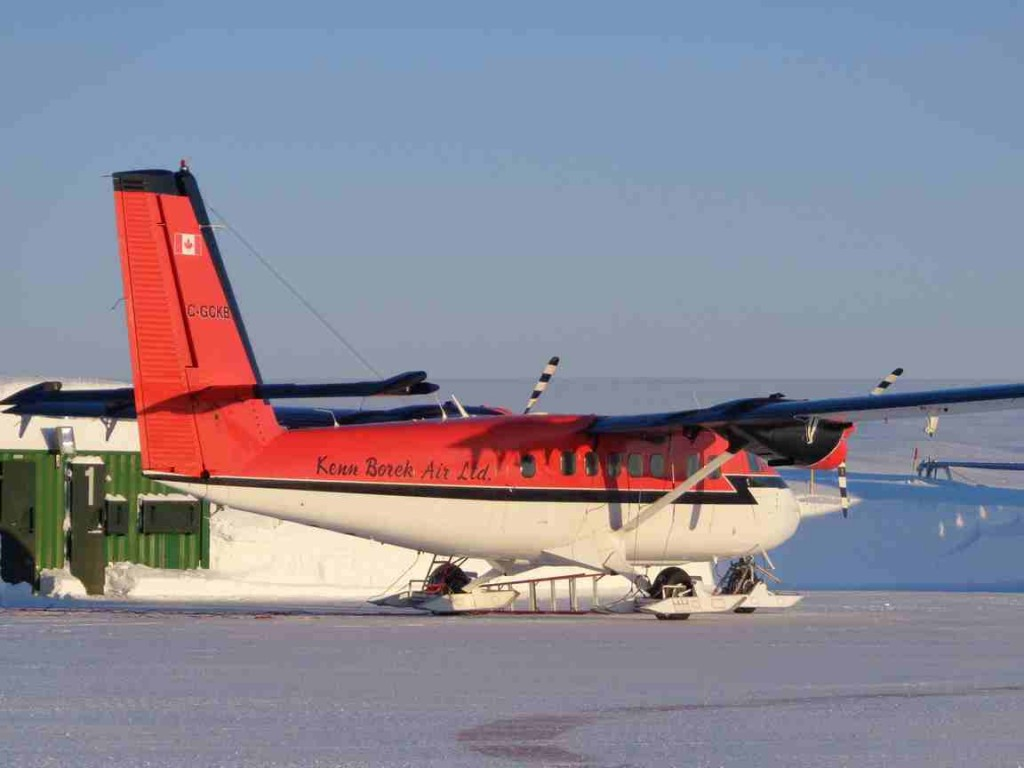 KBAL – Ski-equipped Twin Otter at Station Nord. (Courtesy Mark Drinkwater, ESA)