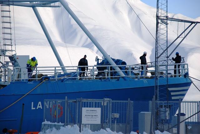 Preparing to start the SMOS Ice campaign. (ESA)