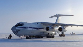 Ilyushin (new) meets DC3 (old) at Station Nord. (Mark Drinkwater–ESA)