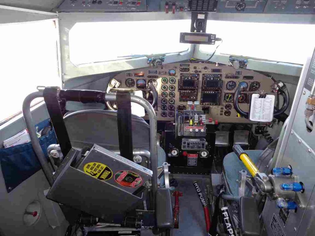Cockpit of the Ken Borek DC-3 (Mark Drinkwater–ESA)