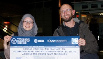 Ludwig Schröder and  Undine Strößenreuther from TU Dresden on their way to Antarctica for ESA's CryoSat mission. (credits: TU Dresden)