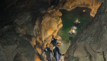 Caves 2014 participants training in a water cave.  Credits: ESA\V.Crobu