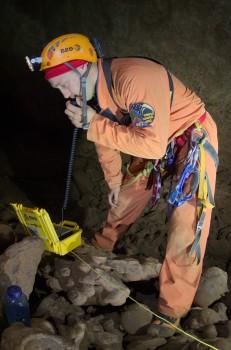 Using a TEDRA in the caves.  Credits: ESA/V.Crobu