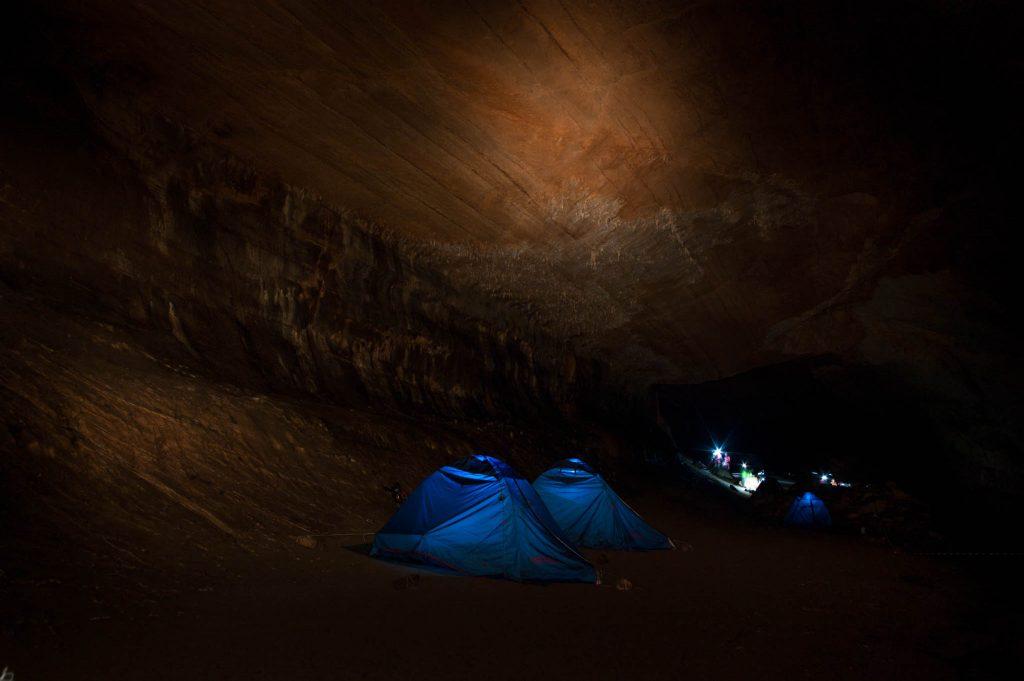 Base camp at night. Credits: ESA–S. Korsakov