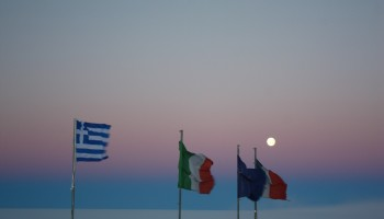Lunar encounter with our flags. Credits:ESA/IPEV/PNRA-A. Golemis