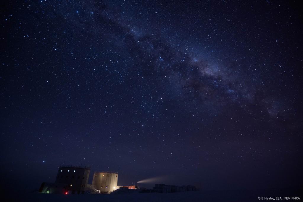 Noche oscura.  Créditos: ESA / IPEV / PNRA-B.  Healey