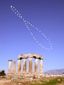 Analemma over Greece. Credits: Anthony Ayiomamitis (TWAN)