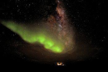 Aurora, or southern lights, above Concordia. Credits: ESA/IPEV/PNRA–A. Kumar
