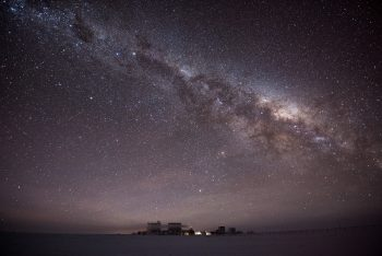 Concordia under the stars. Credits: ESA/IPEV/PNRA–B. Healey