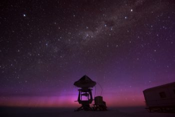 Antarctic night sky. Credits: ESA/IPEV/PNRA–B. Healey