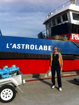 Didier in front of the Astrolabe. Credits: IPEV
