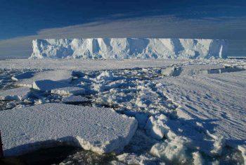 Magestic iceberg. Credits: ESA/IPEV/PNRA–D. Schmitt