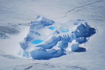Iceberg swimming pools. Credits: ESA/IPEV/PNRA–D. Schmitt