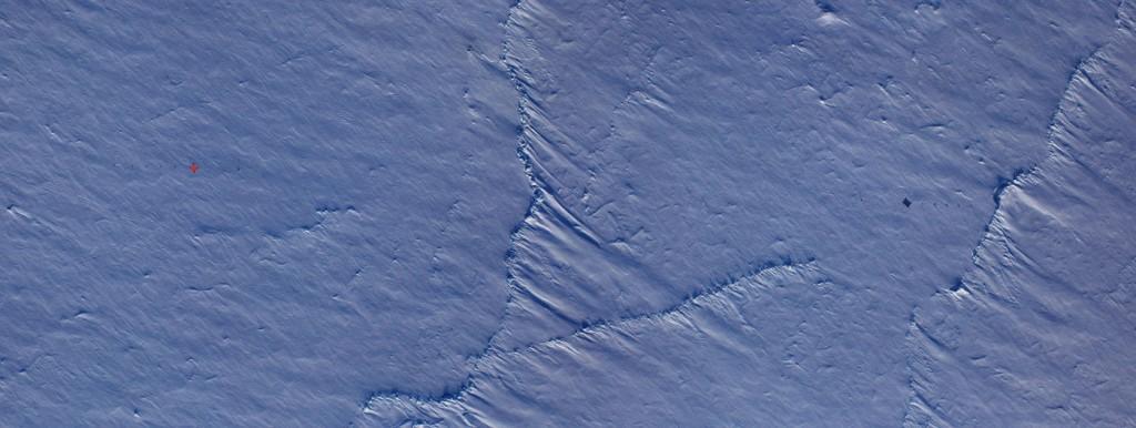 CryoVEx buoys from NASA plane (credits: NASA/Digital Mapping System)