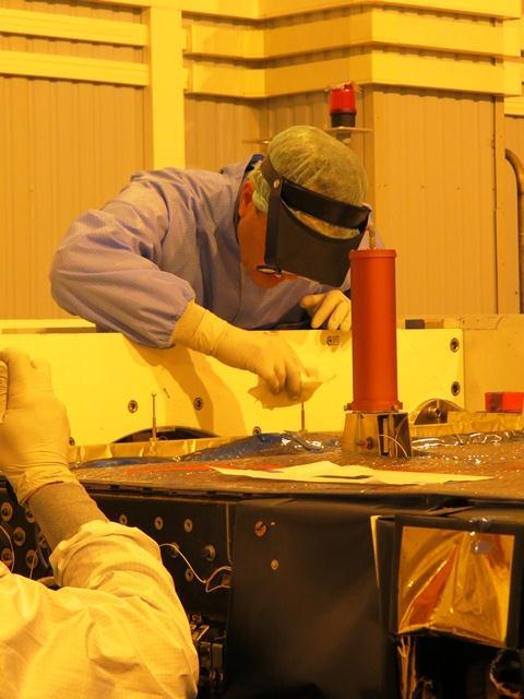 Cleaning the Langmuir probe. (ESA/B. Bergaglio)