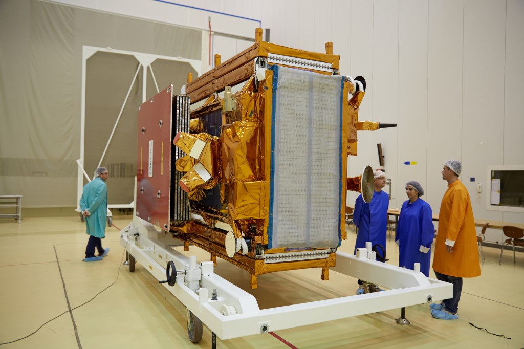 First look around Sentinel-1A after being taken out of its shipment container. (ESA–M. Shafiq)