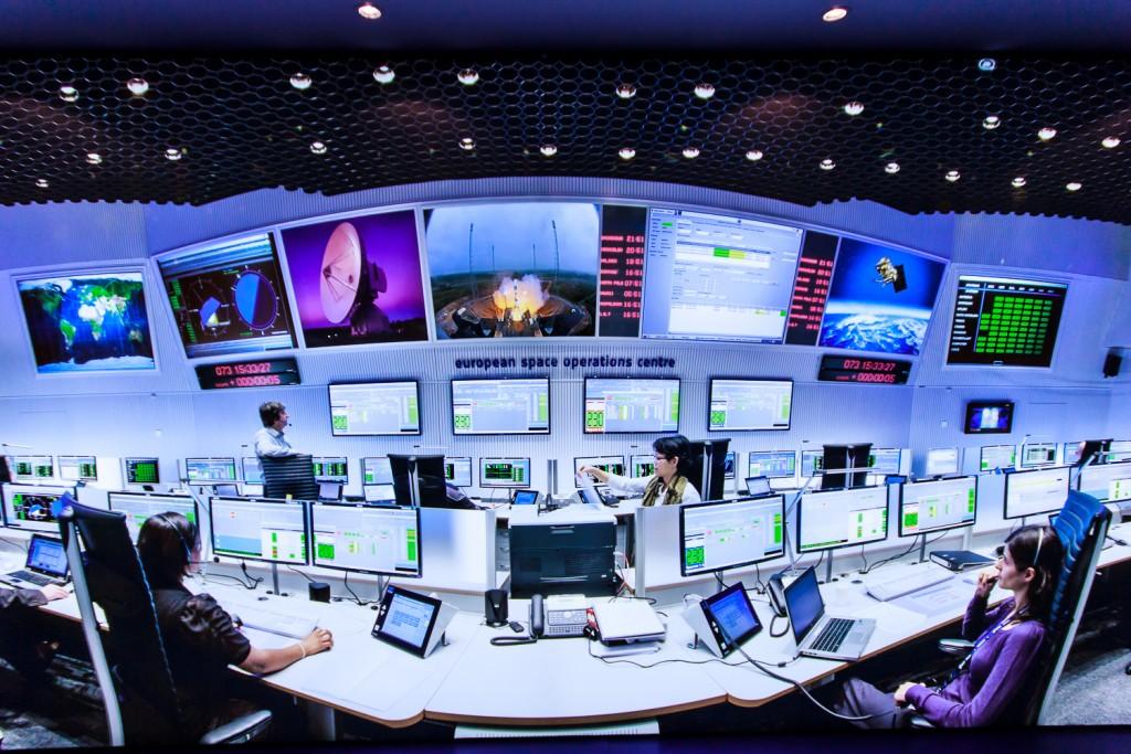 Mission control room at ESOC  (M.A. Richardson)