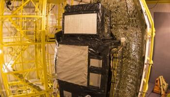 Sentinel-3A ready to meet fairing. (ESA-S. Corvaja)