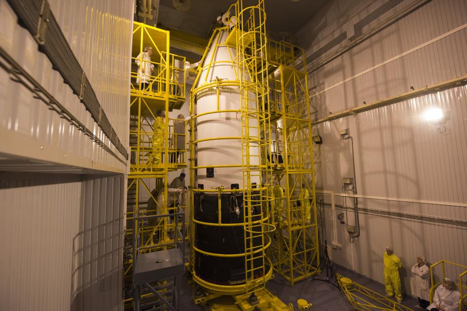 Sentinel-3A encapsulation. (ESA)
