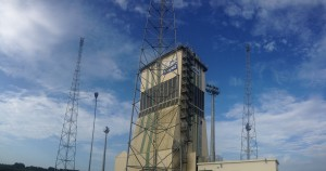 The mobile service tower surrounded by the lightning safety towers