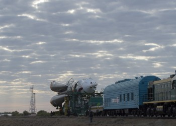 Roll out of Soyuz launcher from MIK 112 to Pad 1. Credits: ESA