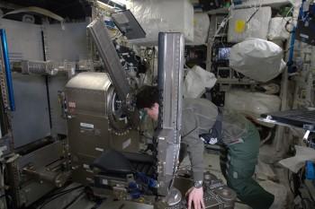 ESA astronaut Samantha Cristoforetti with MARES on the International Space Station. Credits: ESA/NASA