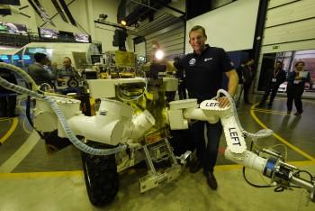 Andreas with Supvis-E experiment rover Eurobot before his iriss flight. Credits: ESA–J. Harrod CC BY SA IGO 3.0