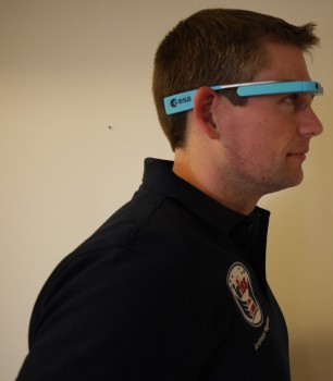 Andreas with MobiPV headset before his mission. Credits: ESA–J. Harrod CC BY SA IGO 3.0