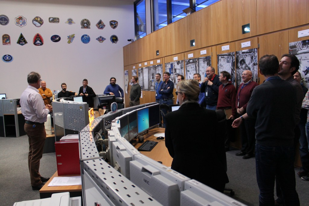 Short speech by Flight Director to iriss team.  Credits: ESA–J. Harrod CC BY SA IGO 3.0