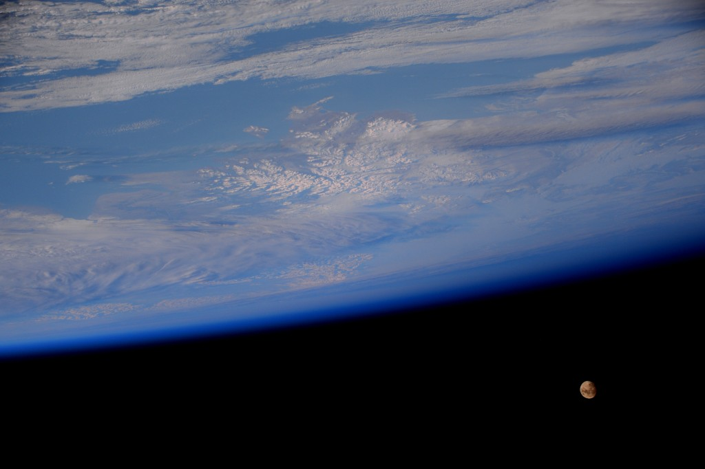 Earth and Moon, photographed by ESA astronaut Samantha Cristoforetti. This year's Christmas Day (25 December 2015) will have a full moon for the first time in 38 years. Image credit: ESA/NASA.