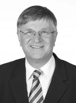 Peter Hintze. Image: CDU/CSU-Fraktion, CC BY-SA 3.0 DE, via Wikimedia Commons