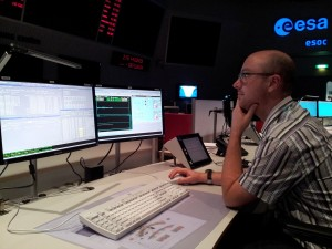 Mars Express engineers configuring MEX mission data displays in ESOC MCR Credit: ESA