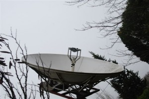 Bertrand Pinel's 3.5m backyard antenna. Image credit: B. Pinel