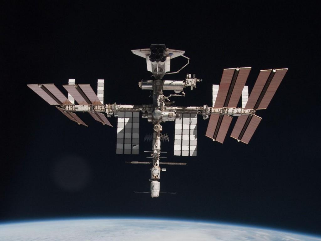 ISS with ATV & Shuttle docked credit: ESA/NASA/Roscosmos