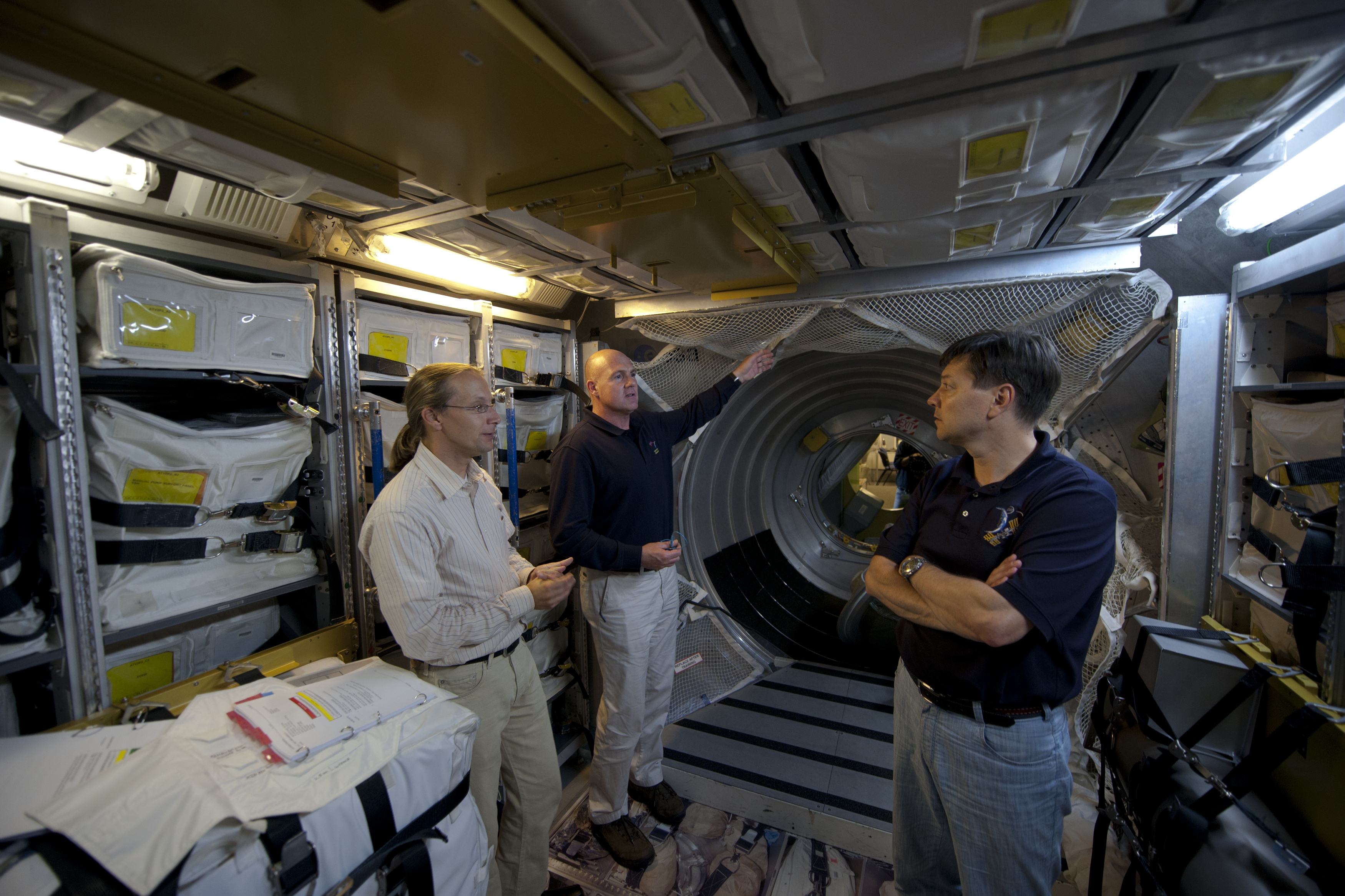 where do astronauts train - photo #32