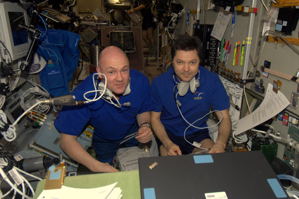 Andre Kuipers and Oleg Kononenko training for ATV docking