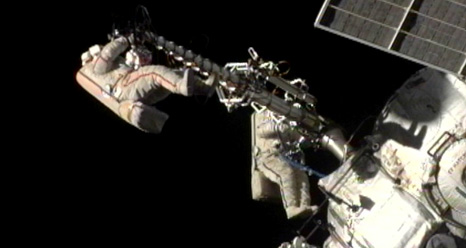 Commander Gennady Padalka and Flight Engineer Yuri Malenchenko completed the first spacewalk of the Expedition 32 mission at 23:28 CEST, Monday, 20 August. Credit: NASA