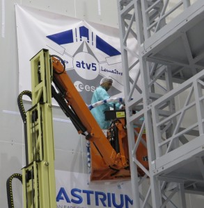Removing the ATV banner from S5C. Credit: ESA