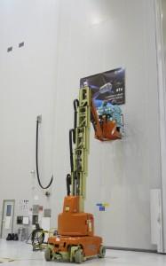 Removing the ATV-5 banner. Credit: ESA