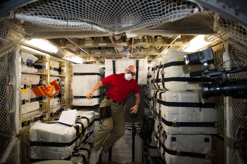 ATV-5 ingress. Credit: ESA/NASA