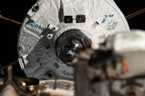 ATV-5 with LIRIS demonstrator. Credits: ESA/NASA