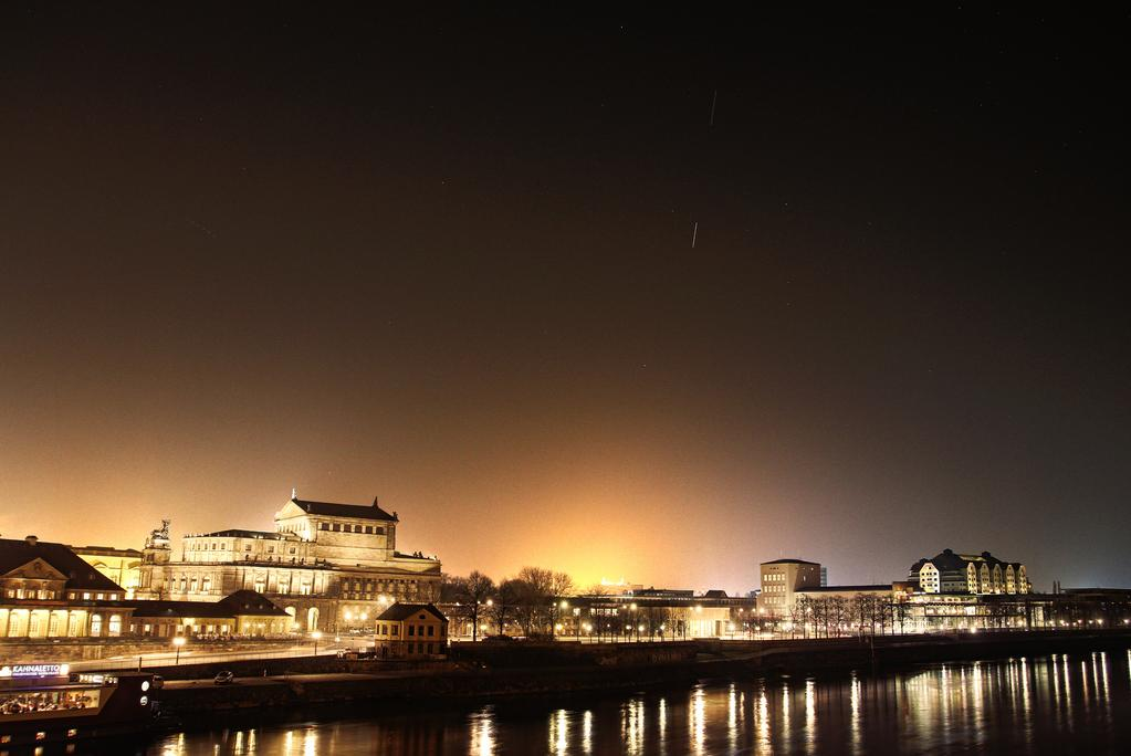 """Jürgen @jb_spiff """"ISS chasing ATV5 over opera house and Elbe river in Dresden, Germany"""""""